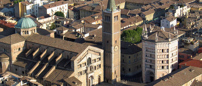 Duomo e Battistero di Parma visti dall'alto