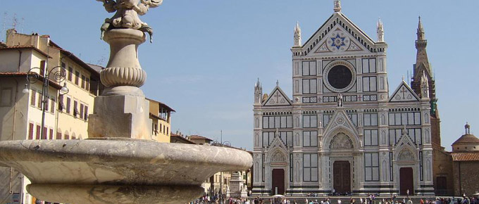 Piazza Santa Croce con la Basilica