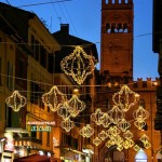 Luminarie natalizie nel centro storico di Bologna