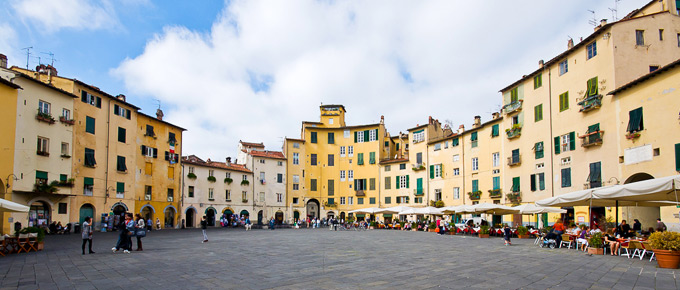 Lucca - Piazza dell'Anfiteatro